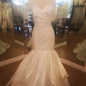 Hayley Page wedding dress